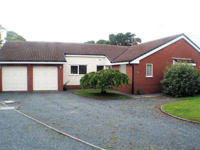 4 Bedrooms Detached Bungalow for sale in Breckside Close, Poulton-Le-Fylde
