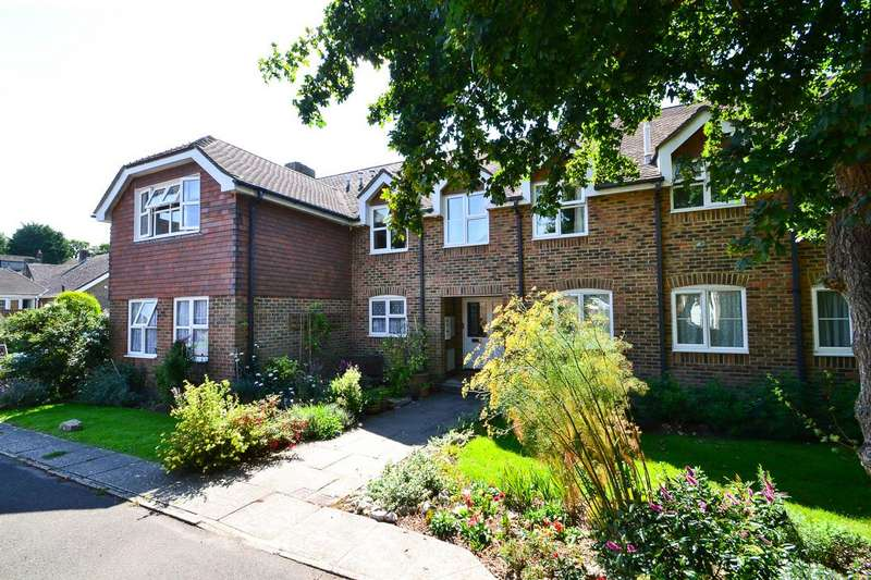 2 Bedrooms Flat for sale in Sussex Gardens, East Dean