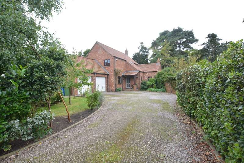 4 Bedrooms Detached House for sale in The Hall Spinney, Howden