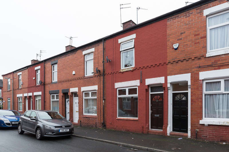 2 Bedrooms Terraced House for rent in Leaf Street, Reddish, Stockport