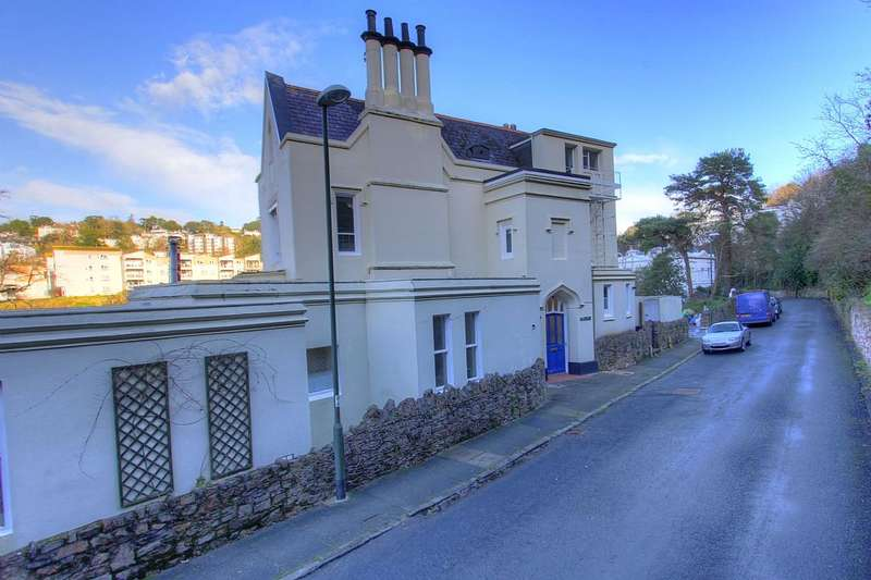 2 Bedrooms Apartment Flat for sale in The Lawn, Lower Woodfield Road, Torquay, Devon, TQ1 2JY