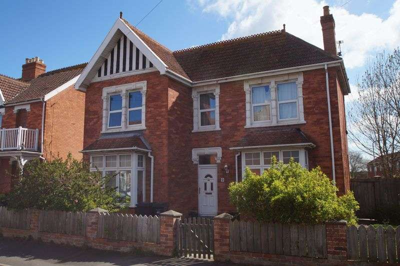 4 Bedrooms Property for sale in Kingsway Road, Burnham-On-Sea