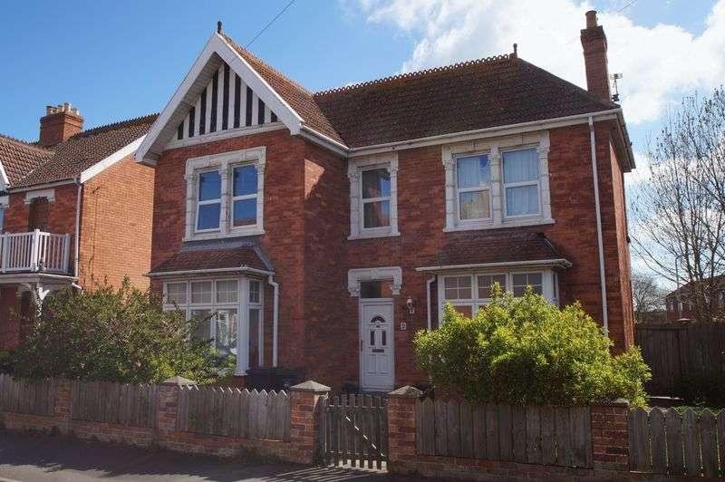 4 Bedrooms Property for sale in Kingsway Road, Burnham-On-Sea