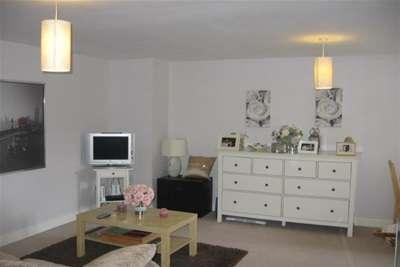 1 Bedroom Flat for rent in Springley Court, Kingswood