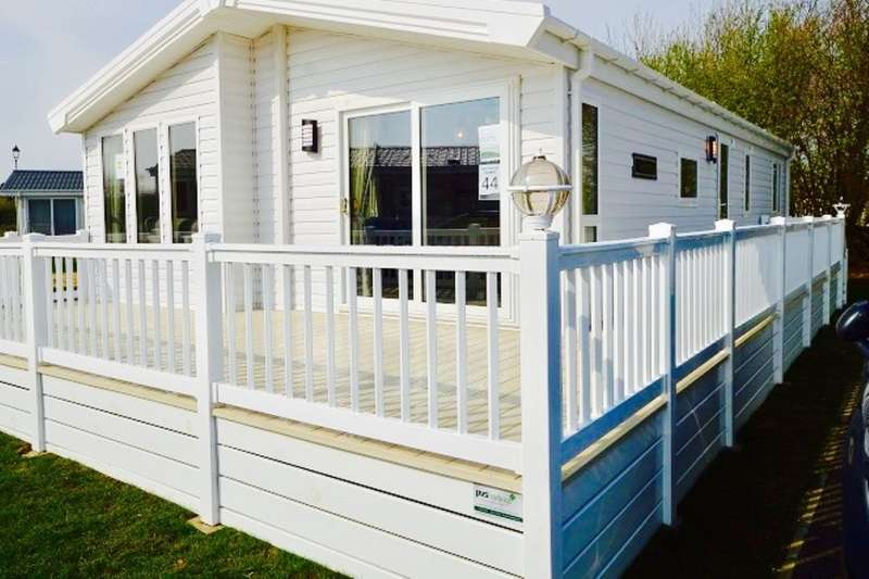 2 Bedrooms Detached Bungalow for sale in The Cranbrook Eastbourne Road, Pevensey Bay, Pevensey, BN24