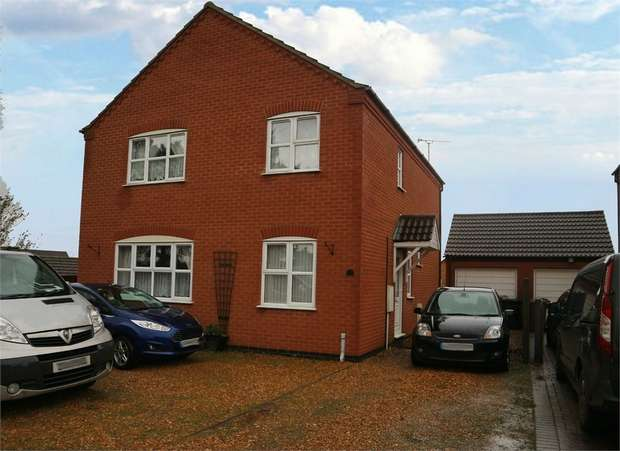 4 Bedrooms Detached House for sale in Pakenham Drive, Dersingham, King's Lynn, Norfolk