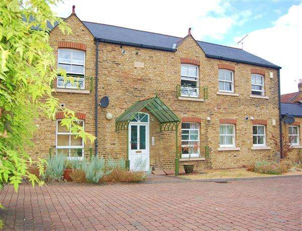 2 Bedrooms Apartment Flat for sale in The Old Stables Yard, 148 South Park Road, South Park Gardens, London