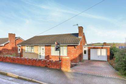 2 Bedrooms Bungalow for sale in Langwyth Road, Burnley, Lancashire, BB10
