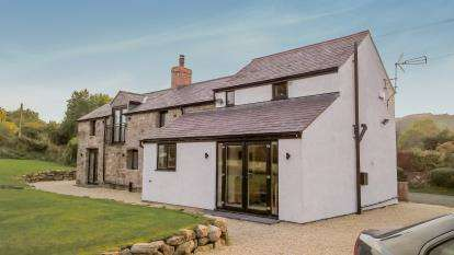 3 Bedrooms Detached House for sale in Bryn Common, Llanfynydd, Flintshire, LL11