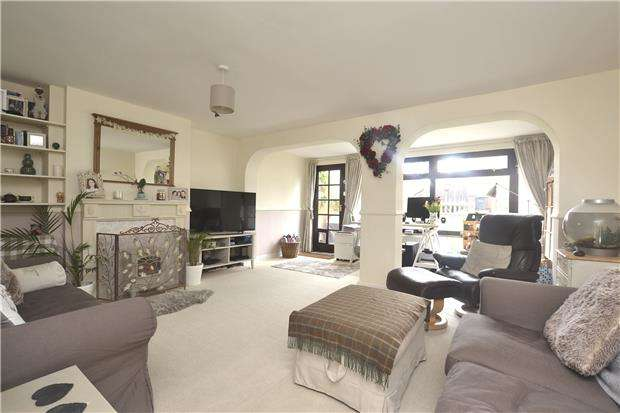 3 Bedrooms End Of Terrace House for sale in Colwell Drive, OX28 5NJ