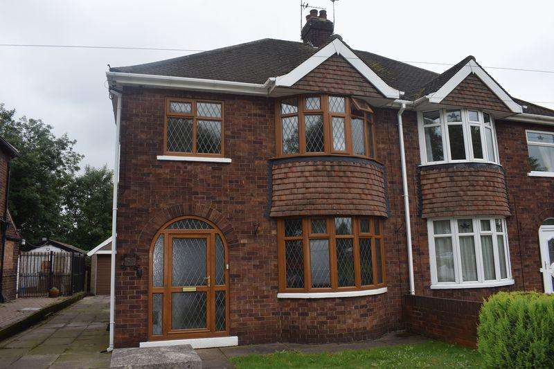 3 Bedrooms Semi Detached House for sale in Queensway, Scunthorpe