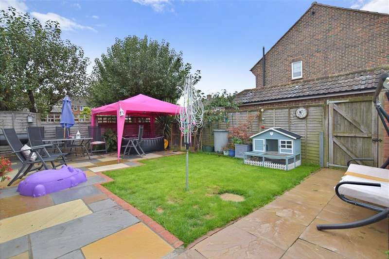 5 Bedrooms End Of Terrace House for sale in Lloyd Goring Close, , Angmering, West Sussex