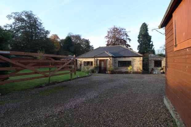 4 Bedrooms Bungalow for sale in Powburn, Alnwick, Northumberland, NE66 4HW