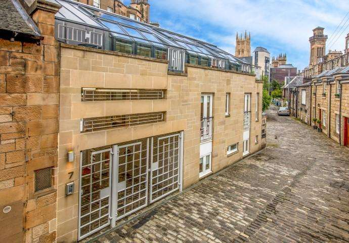 3 Bedrooms Mews House for sale in 7 Park Terrace East Lane, Park, G3 6HG