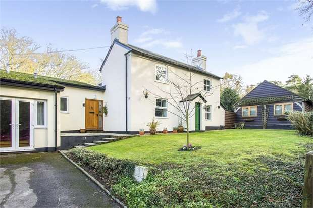 4 Bedrooms Detached House for sale in Burley Road, Bransgore, Christchurch, Hampshire