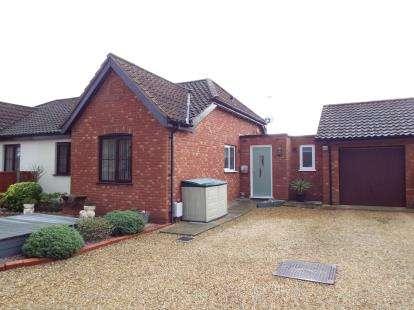 2 Bedrooms Bungalow for sale in Snettisham, Kings Lynn, Norfolk