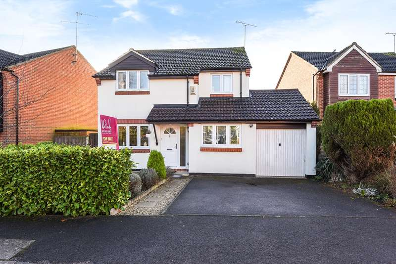 4 Bedrooms Detached House for sale in The Lilacs, Wokingham, RG41