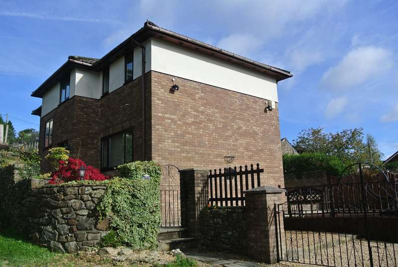 4 Bedrooms Detached House for sale in Viaduct Road, Garndiffaith, Pontypool, NP4