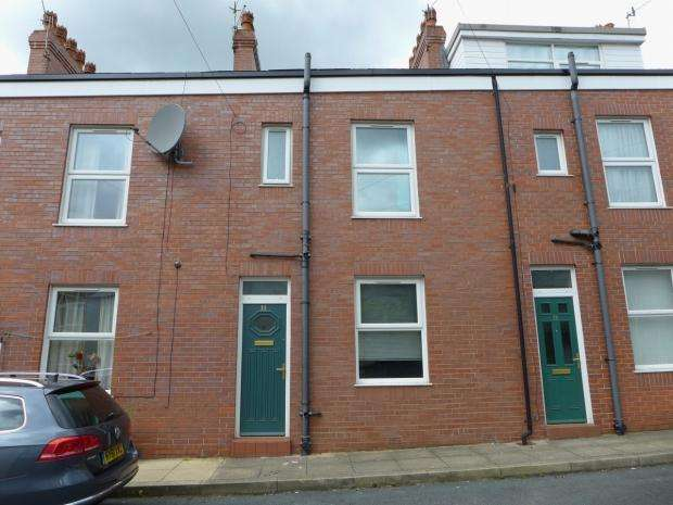 3 Bedrooms Terraced House for sale in Wood Street Todmorden