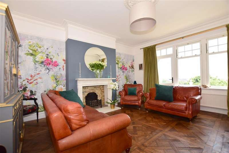 4 Bedrooms Town House for sale in North Road, , Hythe, Kent