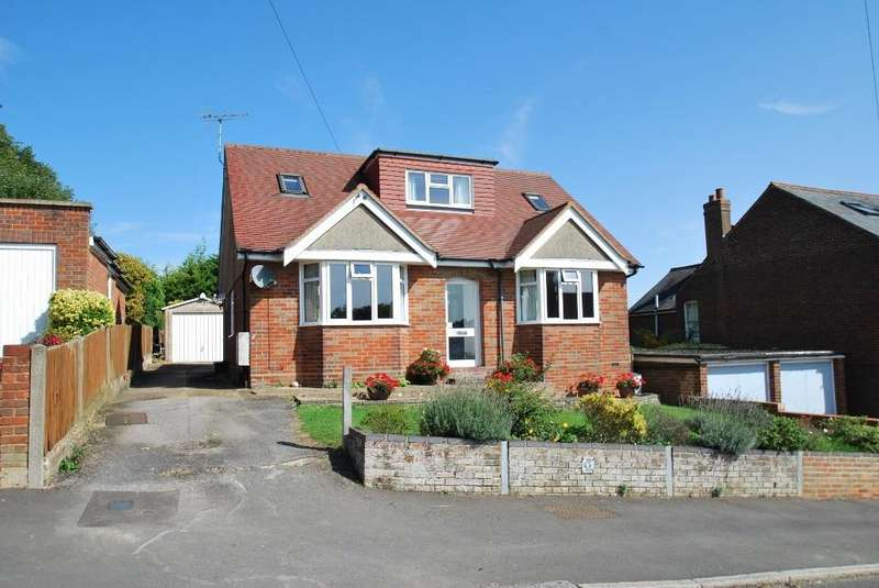 4 Bedrooms Detached Bungalow for sale in Alma Road, Chesham, HP5