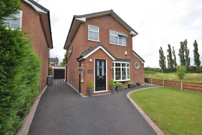 3 Bedrooms Detached House for sale in Dunlin Close, Poynton