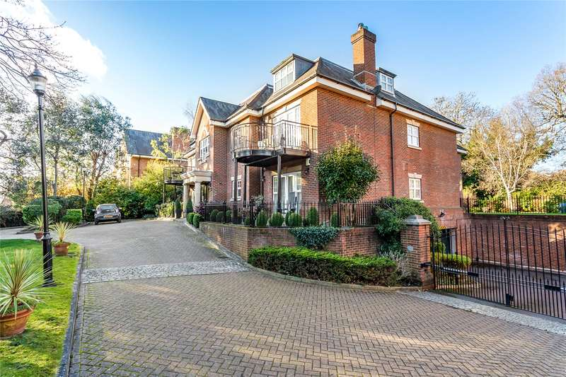 2 Bedrooms Flat for sale in The Chantries, 18 Uxbridge Road, Stanmore, HA7