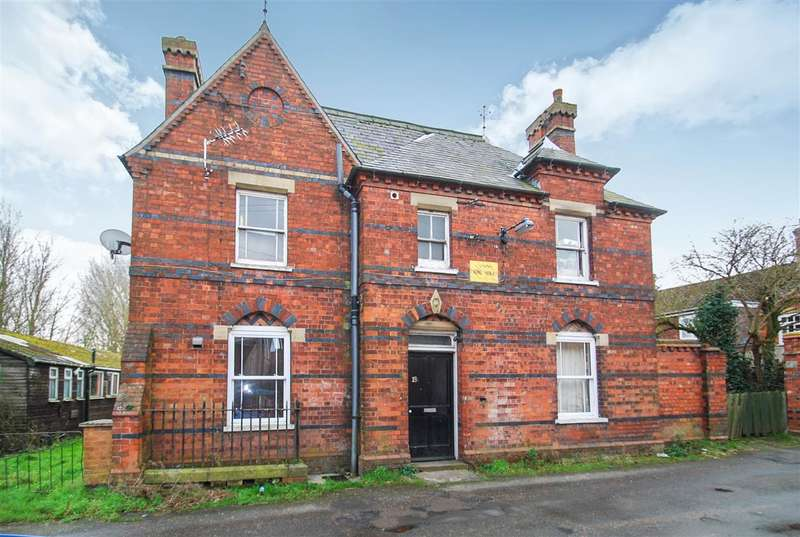 3 Bedrooms Detached House for sale in The Old Police Station, Rumbold Lane, Wainfleet