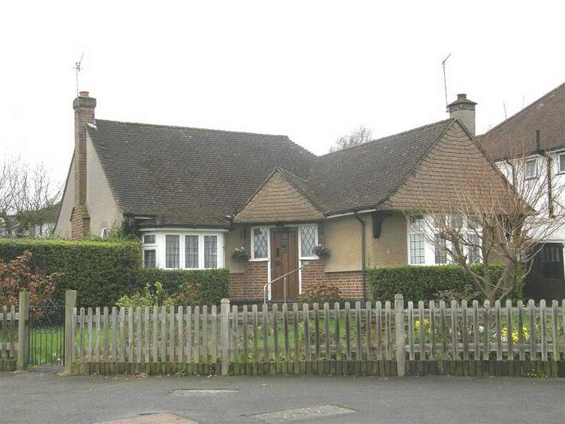 2 Bedrooms Detached Bungalow for rent in Oxhey Hall