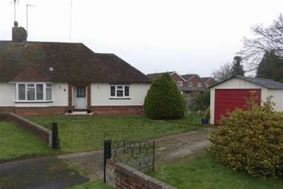 2 Bedrooms Semi Detached Bungalow for rent in Raven Road
