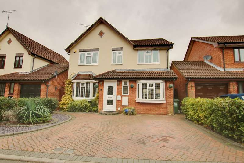 4 Bedrooms Detached House for sale in CUL-DE-SAC LOCATION! TWO RECEPTION ROOMS! CONSERVATORY!