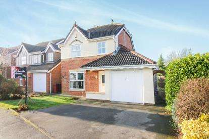 3 Bedrooms Detached House for sale in Coverdale Drive, Blackburn, Lancashire, ., BB2