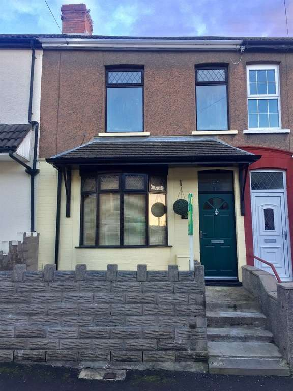 3 Bedrooms Terraced House for sale in Idwal Street, Neath