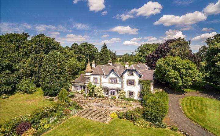 8 Bedrooms Detached House for sale in Elleron Lodge, Newton-on-Rawcliffe, YO18 8QH