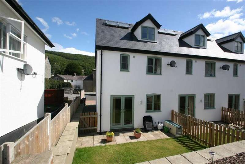 3 Bedrooms End Of Terrace House for sale in Wylcwm Court, Wylcwm Street, Knighton, Powys