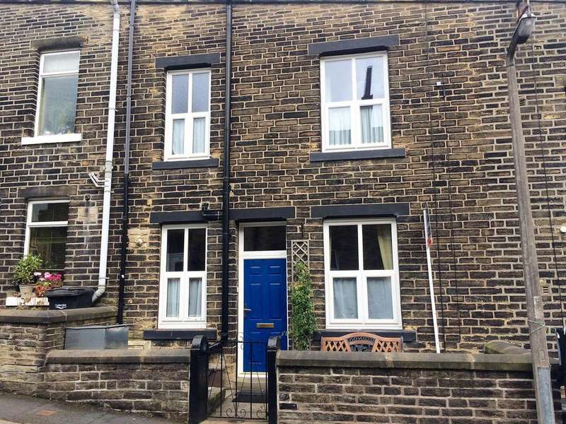2 Bedrooms Terraced House for rent in Albert Street, Mytholmroyd, HX7