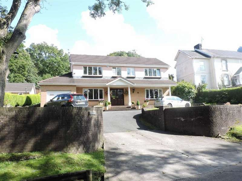 4 Bedrooms Detached House for sale in Garnswllt Road, Pontarddulais