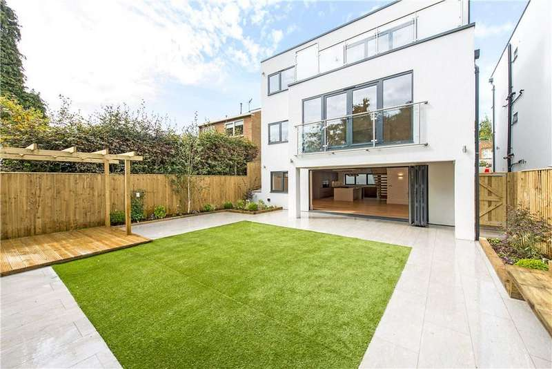5 Bedrooms Detached House for sale in Doctors Commons Road, Berkhamsted, Hertfordshire, HP4
