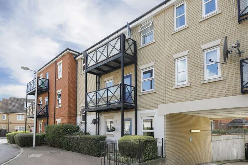 1 Bedroom Flat for sale in Dunwich Court Glandford Way, Chadwell Heath, Romford, RM6