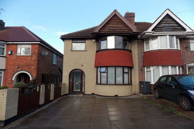 3 Bedrooms Semi Detached House for rent in Audley Road, Stechford, Birmingham, B33