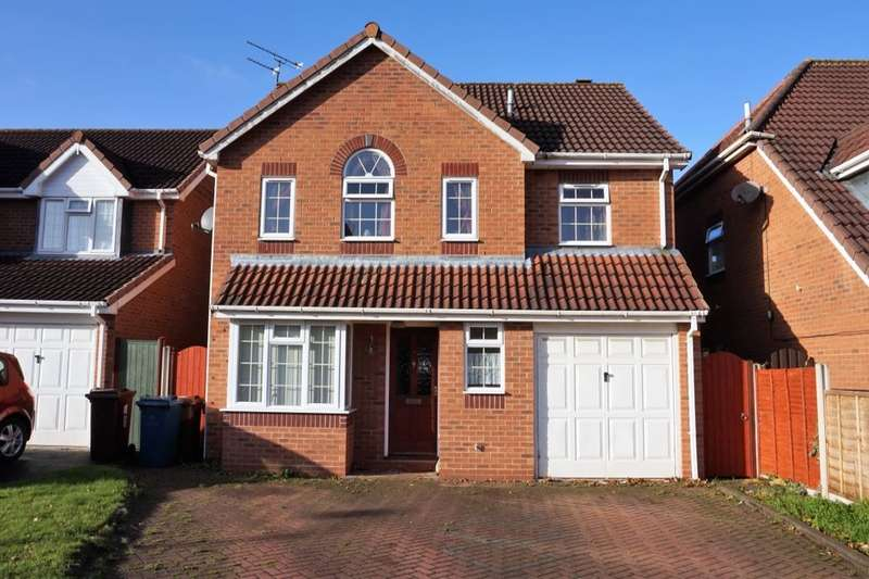 4 Bedrooms Detached House for sale in Gillingham Crescent, Stafford, ST16