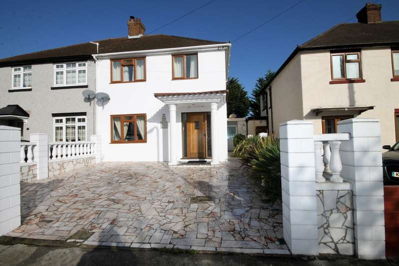 3 Bedrooms Semi Detached House for sale in Central Drive, Hornchurch, RM12