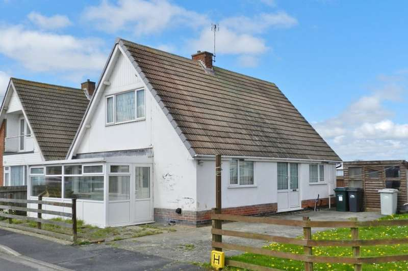 3 Bedrooms Detached Bungalow for sale in Eton Road, Trusthorpe, Mablethorpe, LN12