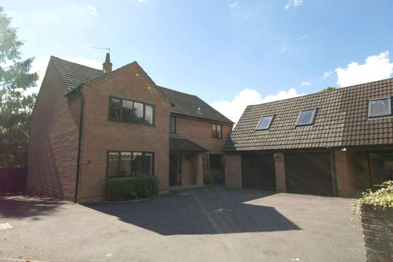 5 Bedrooms Detached House for rent in Orchard Drive Low Road, Hellesdon, Norwich, NR6