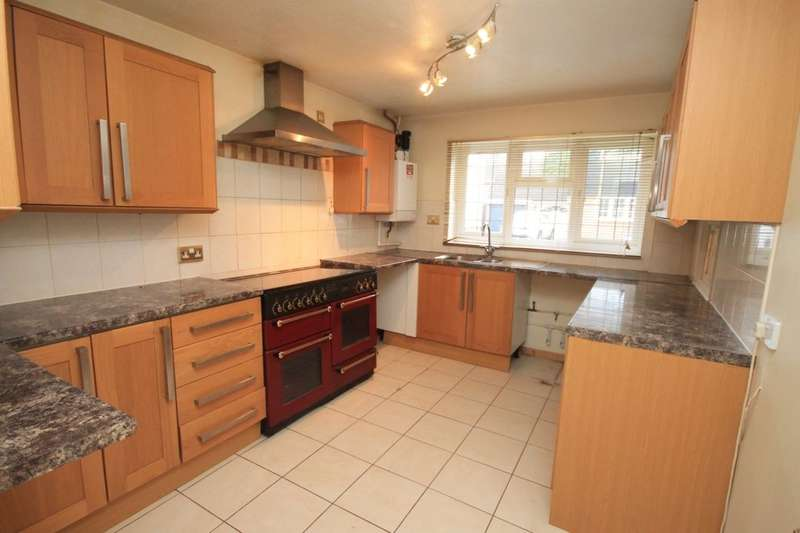 4 Bedrooms Detached House for rent in Covenbrook, Brentwood, CM13