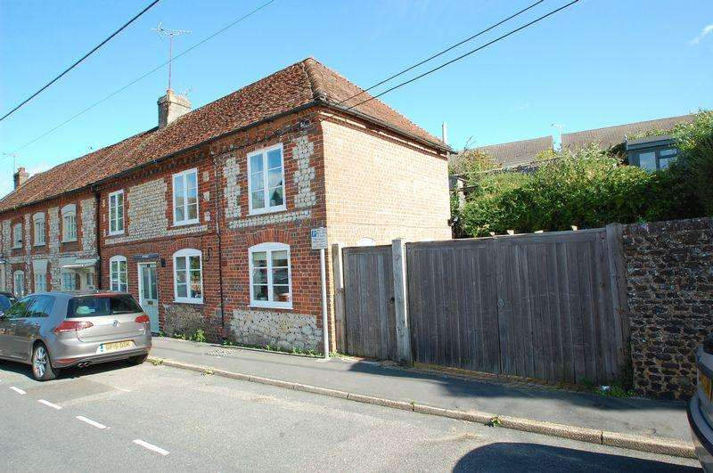 3 Bedrooms End Of Terrace House for sale in Sussex Road, Petersfield, Hampshire