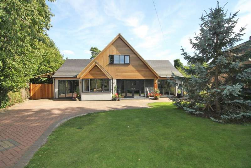4 Bedrooms Bungalow for sale in GROVE LANE, WALTHAM