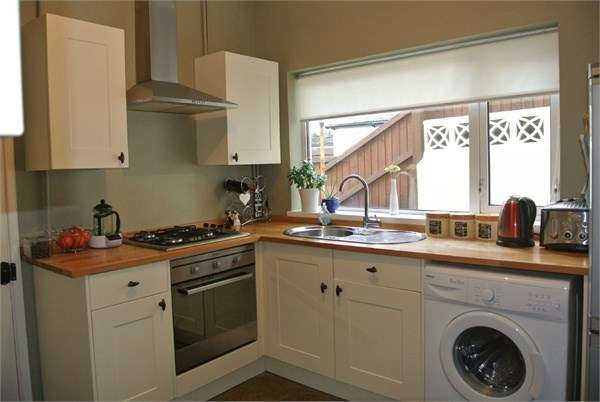 3 Bedrooms Terraced House for sale in Greenfield Place, BLAENAVON, NP4