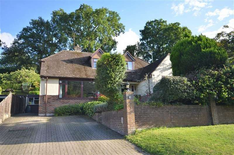 4 Bedrooms Chalet House for sale in Bower Road, Boundstone, Farnham