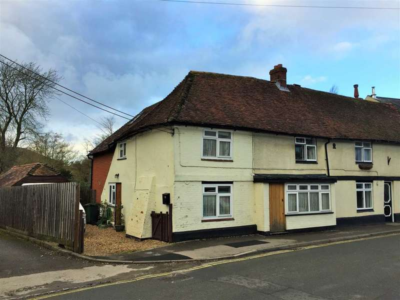 4 Bedrooms Semi Detached House for sale in Station Road, Overton